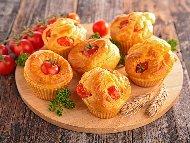 Италиански солени мъфини с чери домати, прошуто и пармезан